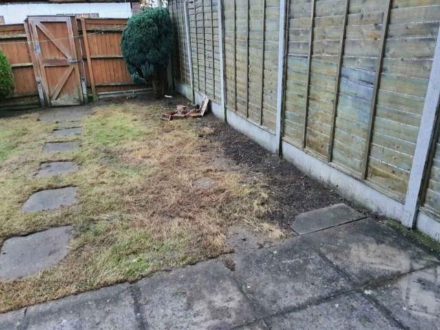 garden maintenance service North Finchley
