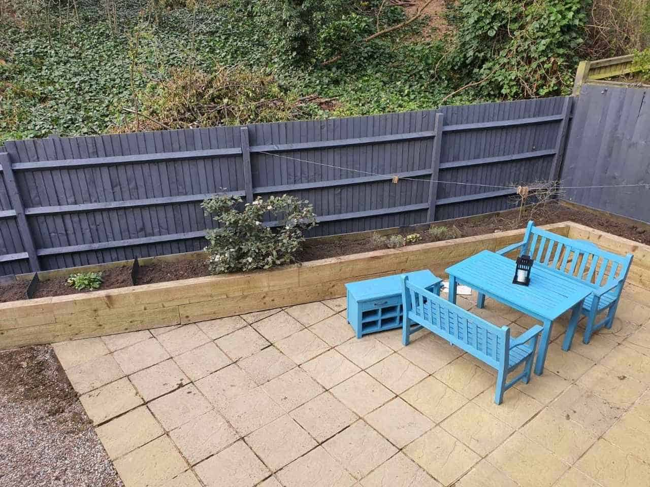 fence painting Hendon