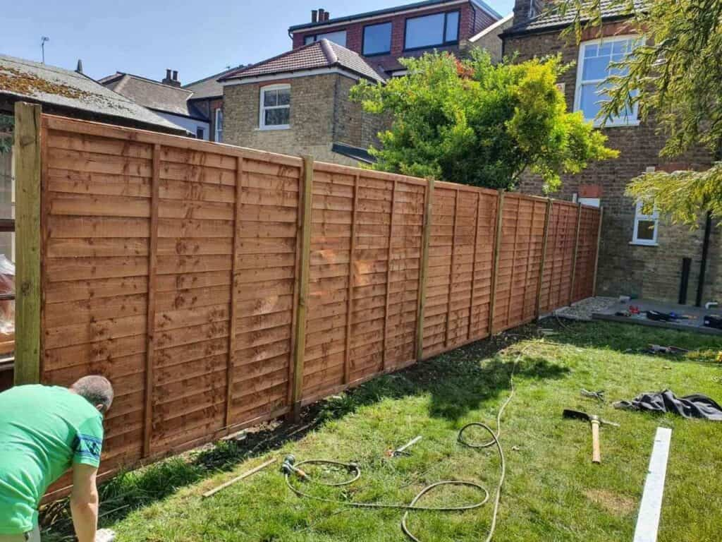 fence installers Finchley Central