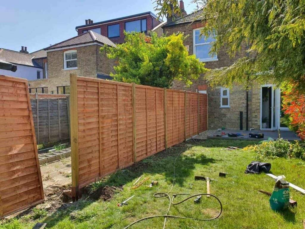 fencing company Finchley Central